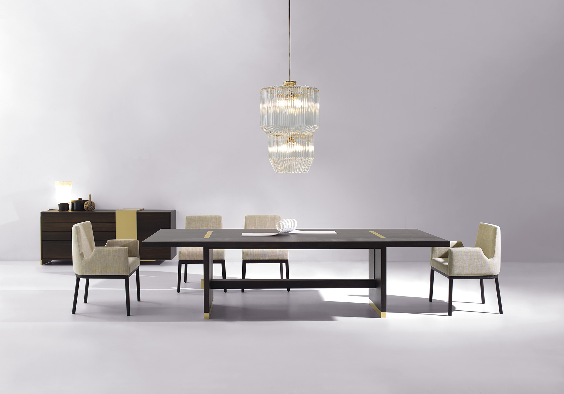 A picture of tables, chairs and a buffet designed by Interi Vision